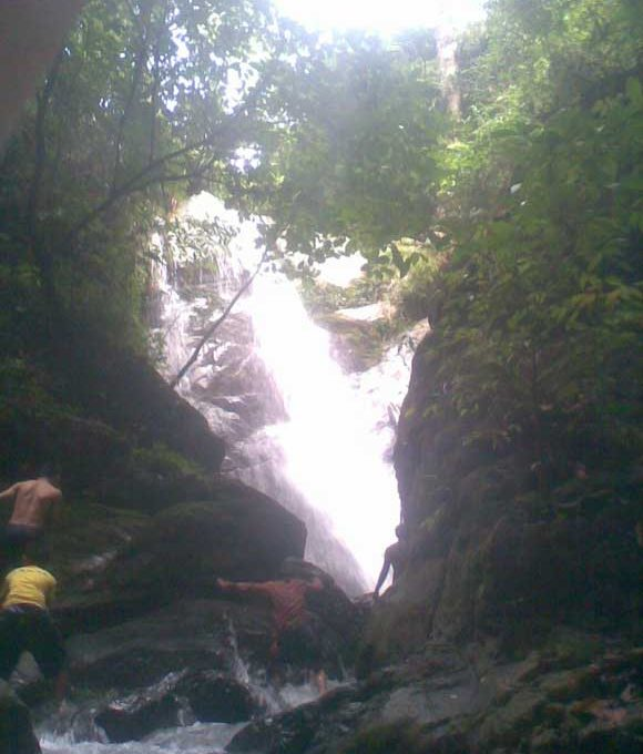 Ranau-277-acres-climbing-up-waterfall-5