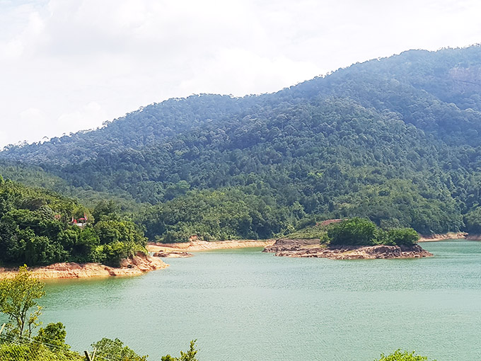 Penang Teluk Bahang, 14 plots Homestead facing Dam and Sea