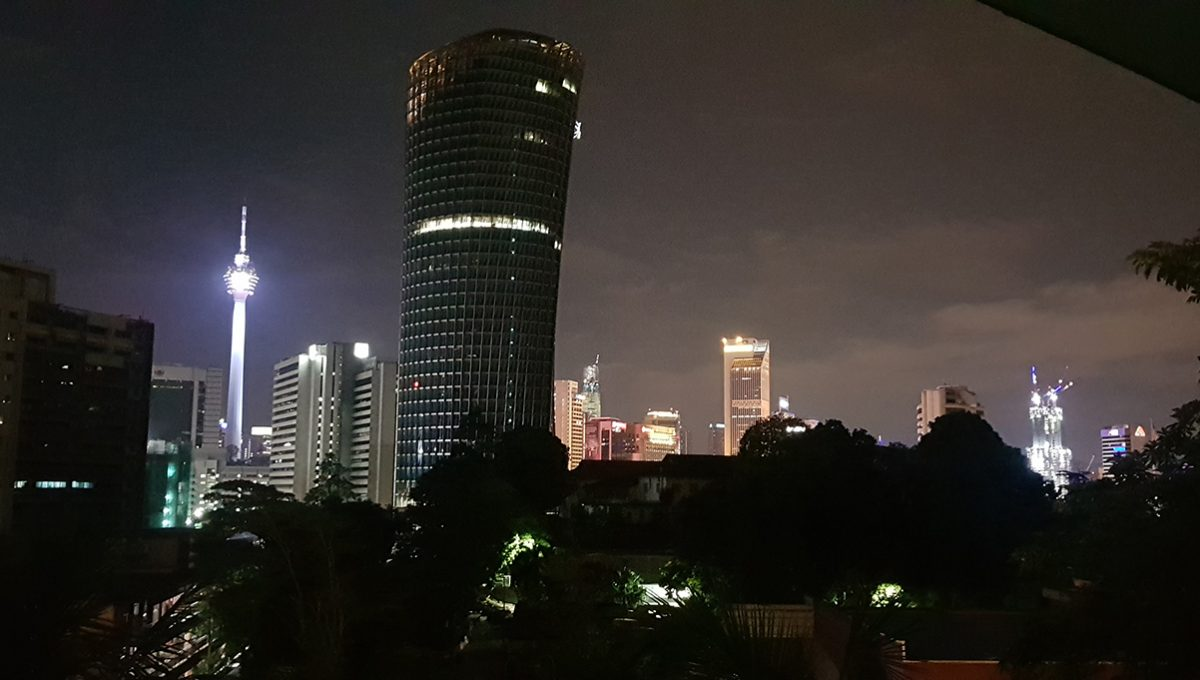 Woodlands Apartment nigh view2