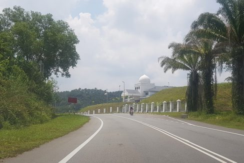Tapah 33 acres near high court