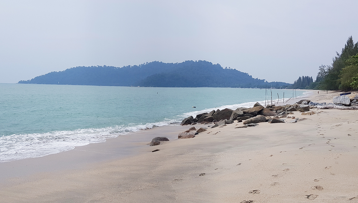 Teluk Senangin 60,000sf fine sandy beach n clean water