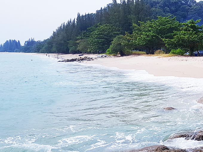 Beautiful beach land opposite Pangkor island 60,000 s.f.