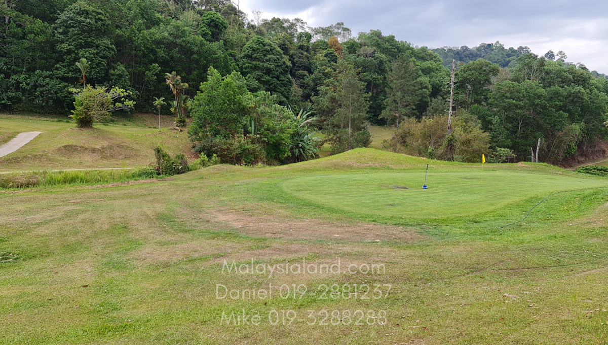 Selesa Hillhome golf course with walking distance (1)