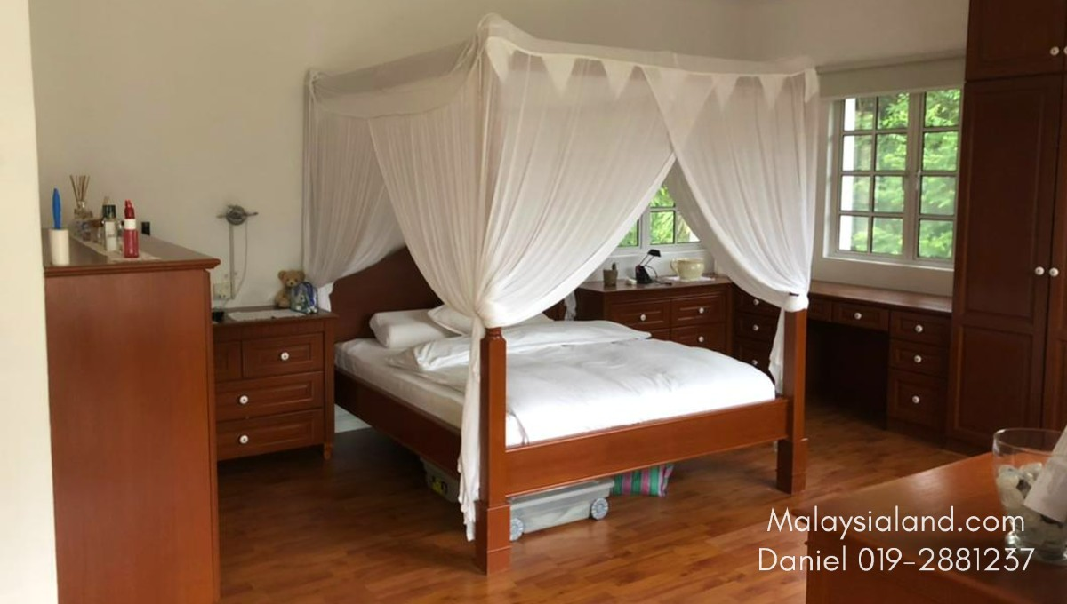Website - Master bedroom 2
