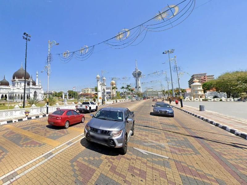 Alor Setar, Kedah – 6,600 sq ft Freehold 3 Storey Building and Vacant land for 2 Shop Lots