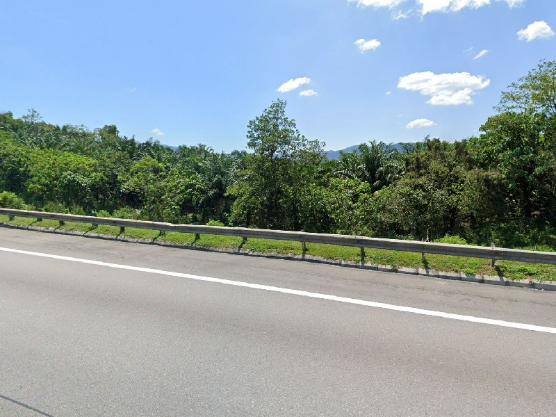 Tanjung Malim, Perak – 8 acres Freehold Oil Palm Land (Beside North-South Highway, great for brand exposure)